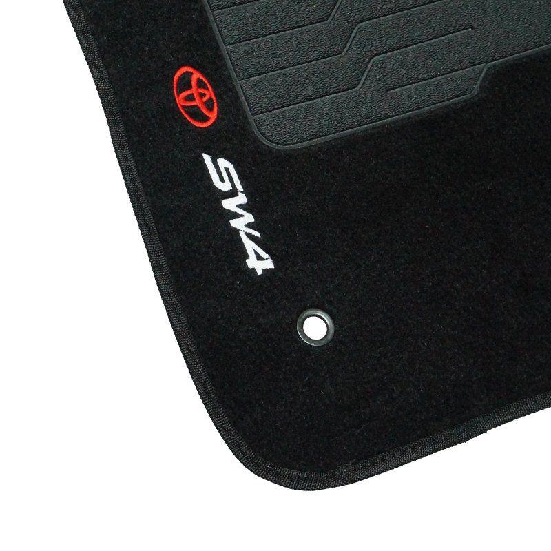 Jogo Tapete Automotivo Carpete + Lixeira Toyota Hilux SW4 2006 à 2015 Soft Logo Bordado Preto 6 Pçs