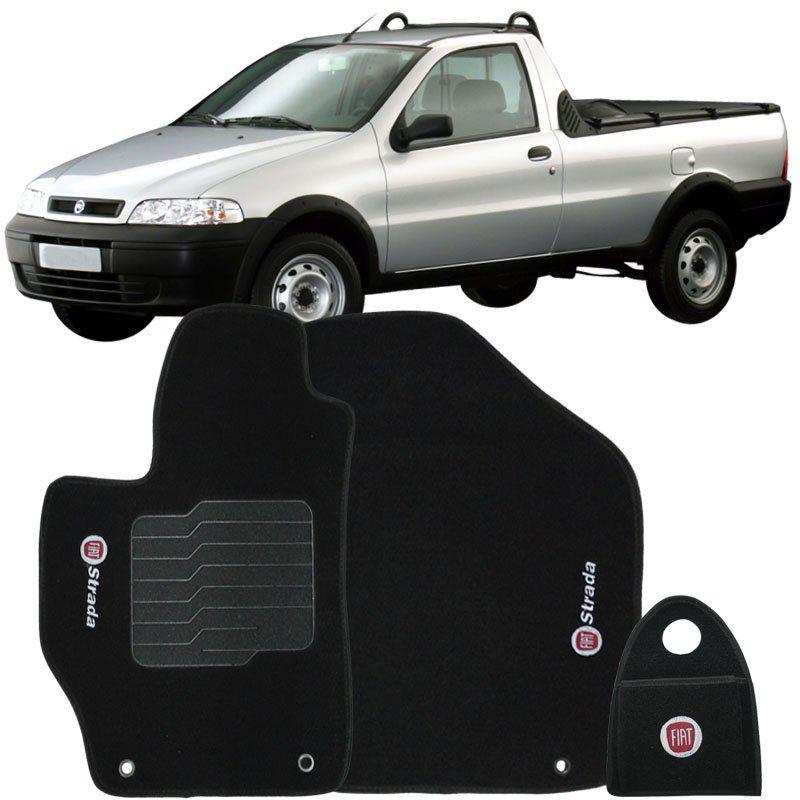 Jogo Tapete Carpete + Lixeira Fiat Strada Cab. Simples 1999 à 2007 Soft Logo Bordado Preto 3 Peças