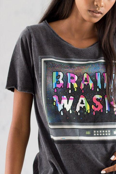 T-shirt TV Brain Wash