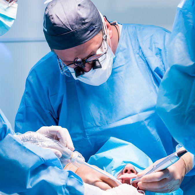 Emergências médicas no consultório odontológico  - PUC Minas