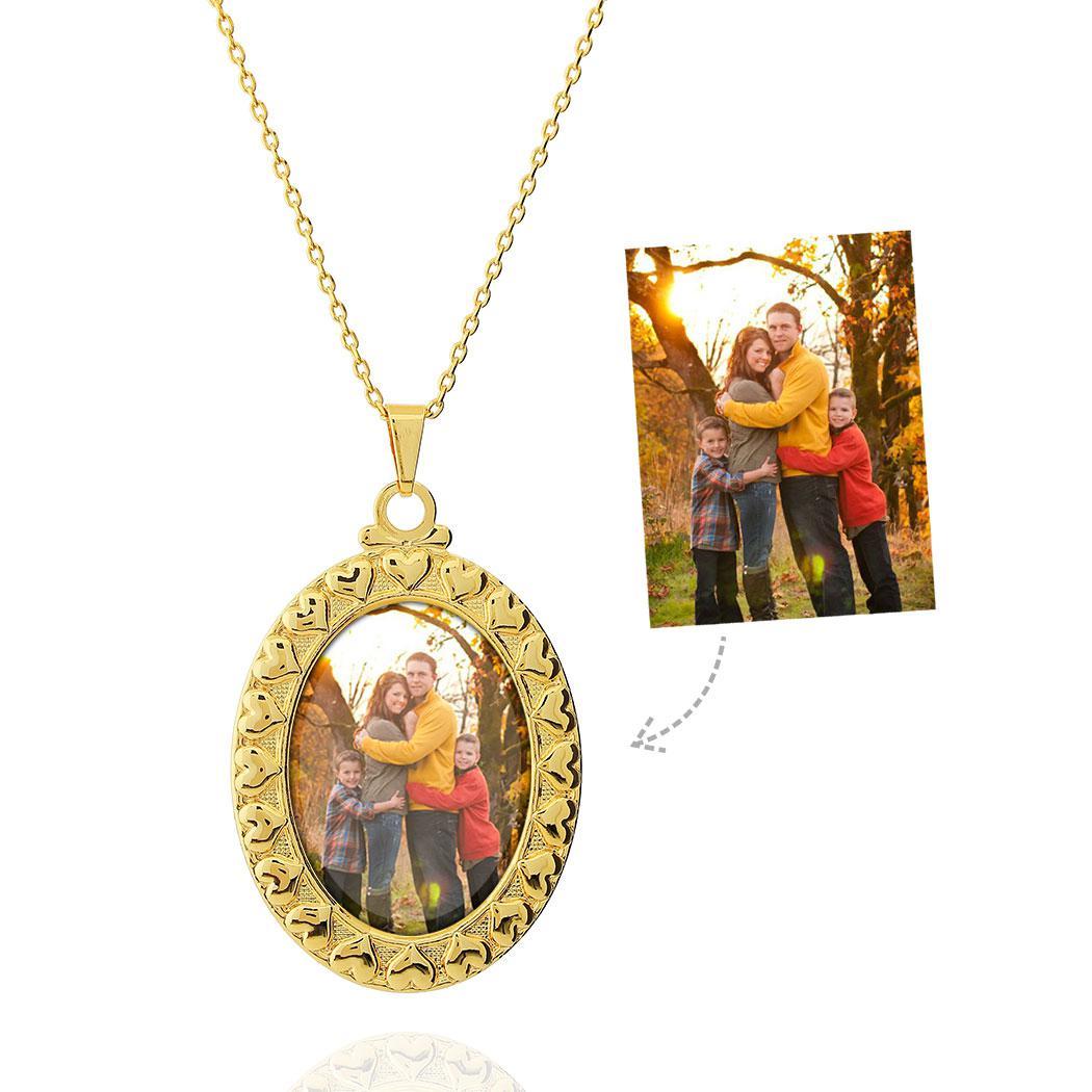 colar relicário foto oval corações dourado