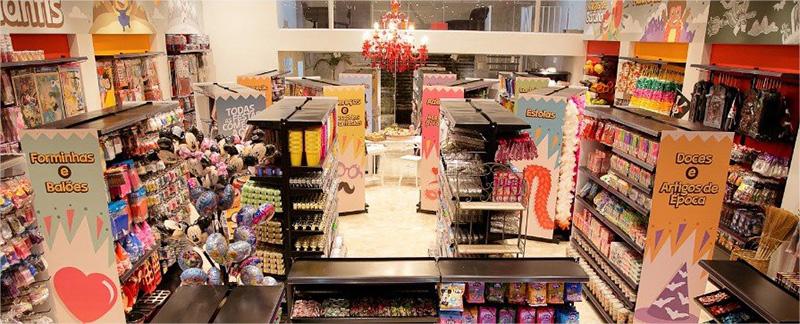 Visão interna da loja Aluá Festas