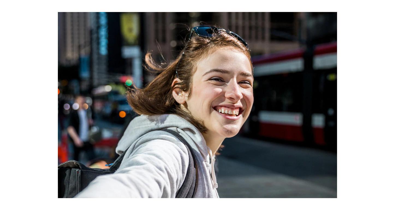 Evidencie o melhor do seu rosto Você que sair bem na selfie. Por isso, para uma aparência deslumbrante durante o dia, a câmera frontal de 16MP do Galaxy A30 oferece fotos nítidas de alta resolução. E com o Foco da Selfie, que desfoca suavemente o fundo, seu rosto se torna o destaque.
