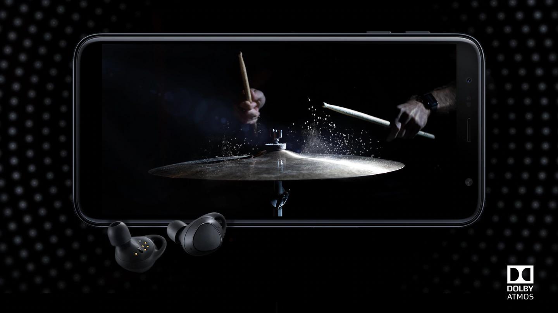 Mergulhe na experiência Dolby Agrade seus sentidos com sons ricos e poderosos. O Dolby Atmos foi projetado para criar e reproduzir trilhas sonoras multicanais para oferecer a melhor experiência sonora de cinema em casa, de forma completamente imersiva. Agora você pode dar vida aos seus filmes e músicas preferidos com efeito mais tridimensional.