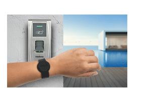 Tag de acessos para ambientes úmidos com o Pulseira Acionada por Aproximação RFID 13,56MHz - Intelbras TH 4000 MF