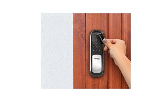 Versatilidade no acesso com o Fechadura Digital Intelbras Push & Pull FR 620