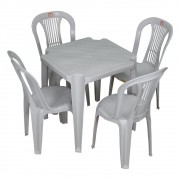 Mesa de Plástico com 4 Cadeiras