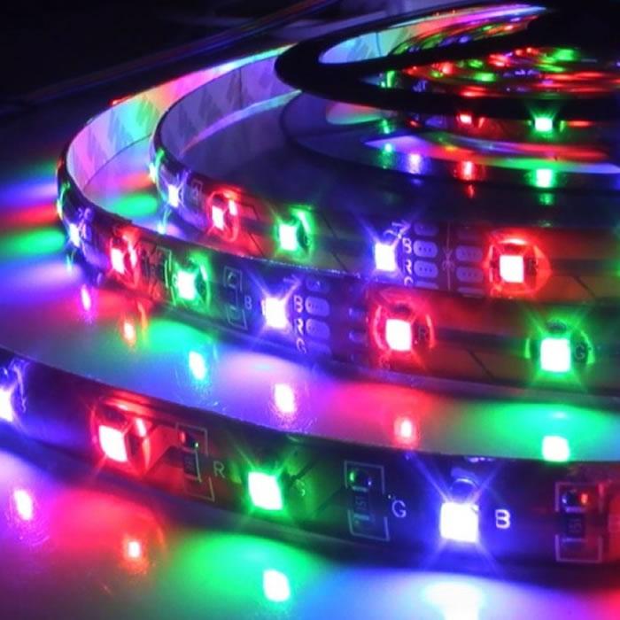 Fita Led RGB 3528 IP65 60 Leds/m Colorida Bi-volt 5M Á Prova de Água cd 1163 com fonte