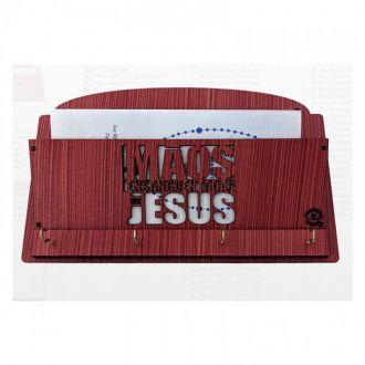 PORTA CHAVES DE PAREDE MÃOS ENSANGUENTADAS DE JESUS EM MDF