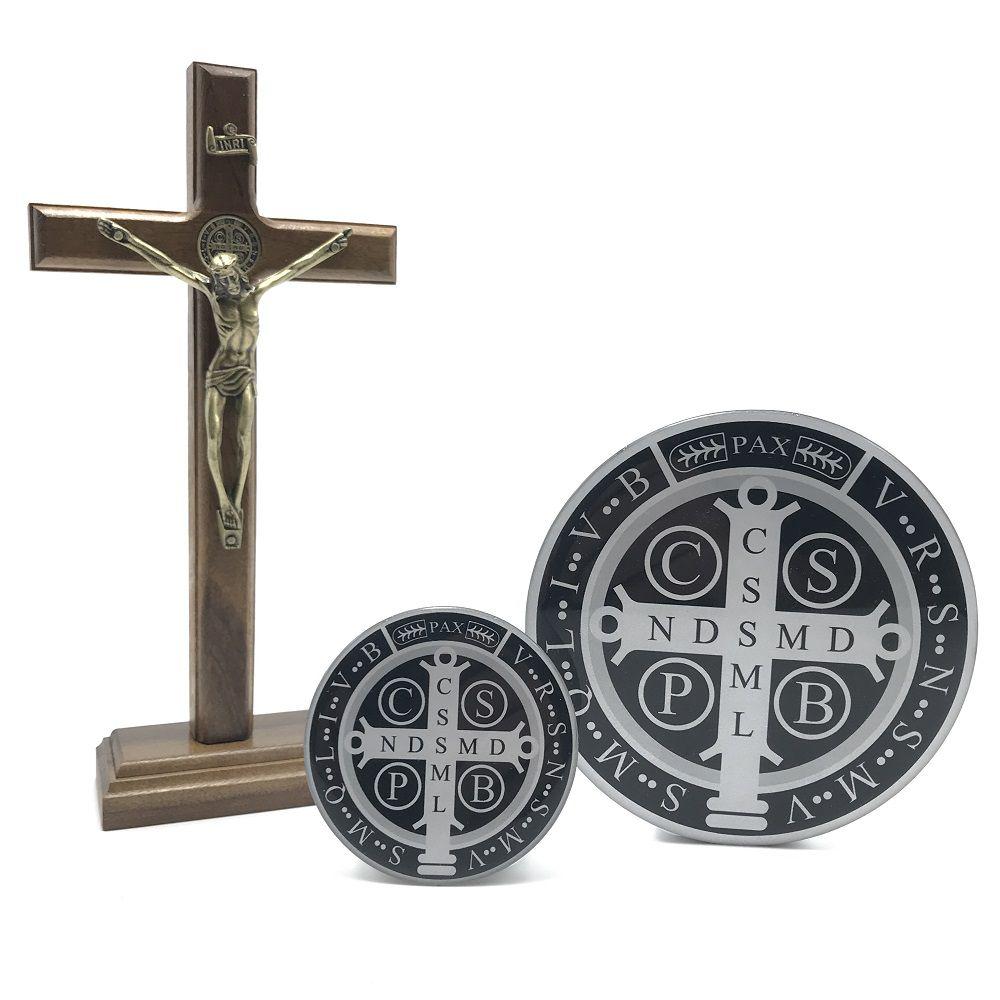 Combo Crucifixo Metal Ouro Velho e Adesivo Medalha de São Bento