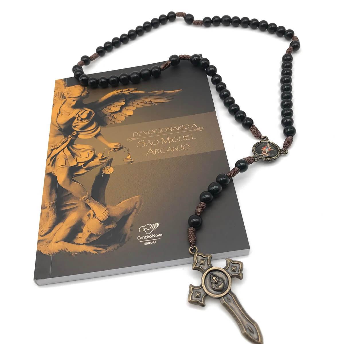 Kit Terço e Livro Oração São Miguel Arcanjo Quem como Deus