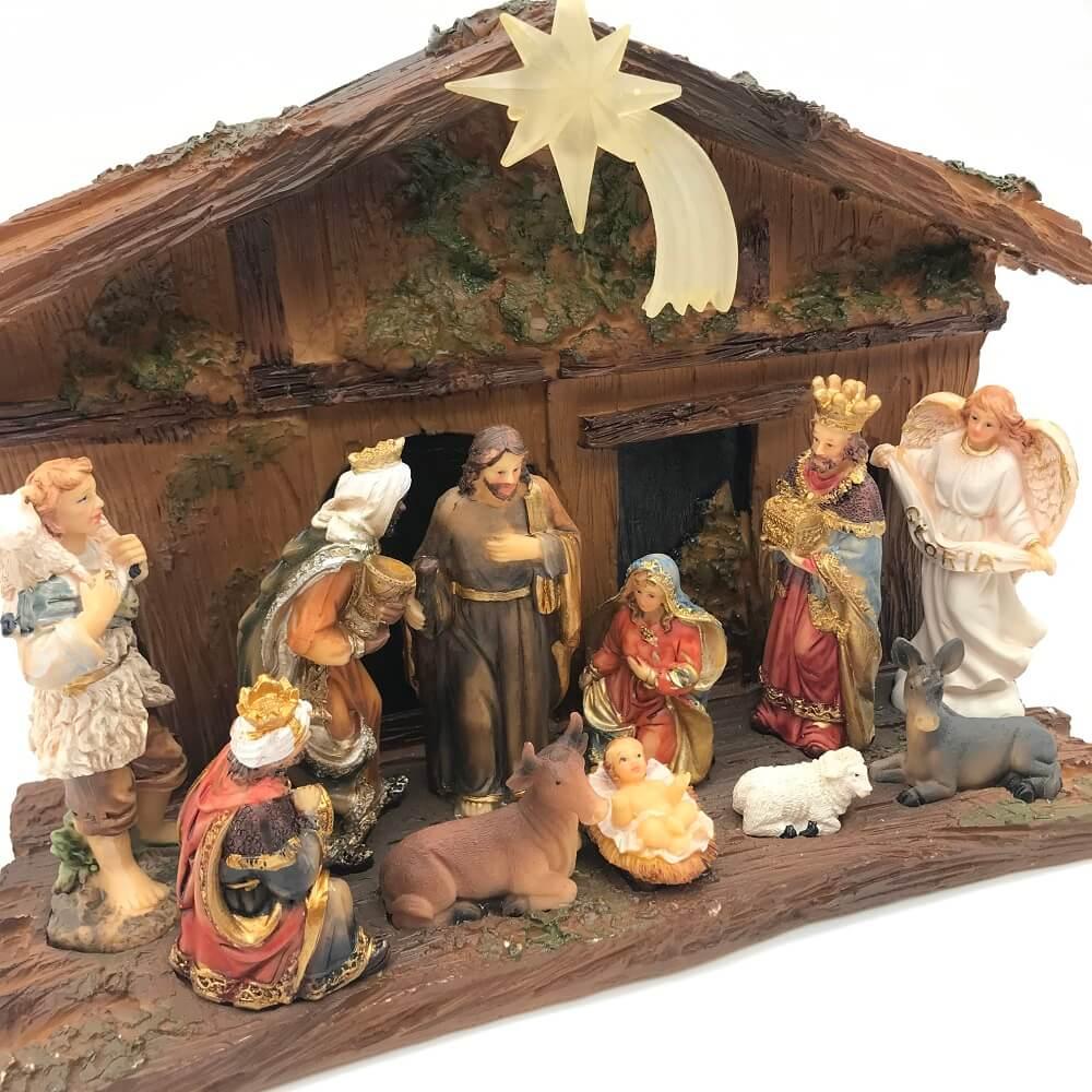 Presépio De Natal Em Resina Cabana Com Luz Sagrada Familia