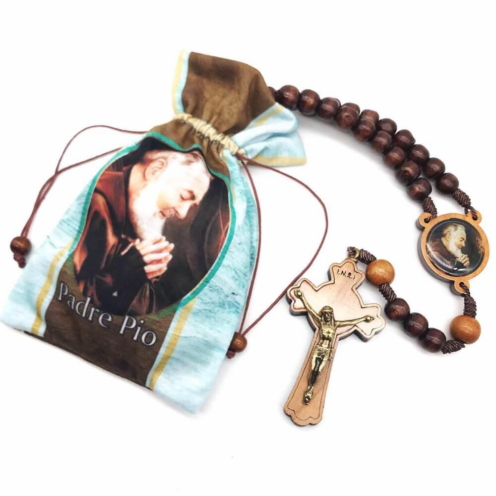 Terço Padre Pio Madeira Com Saquinho de Tecido