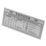Plaqueta do painel com indicações de câmbio 4 marchas com reduzida na cor prata Toyota