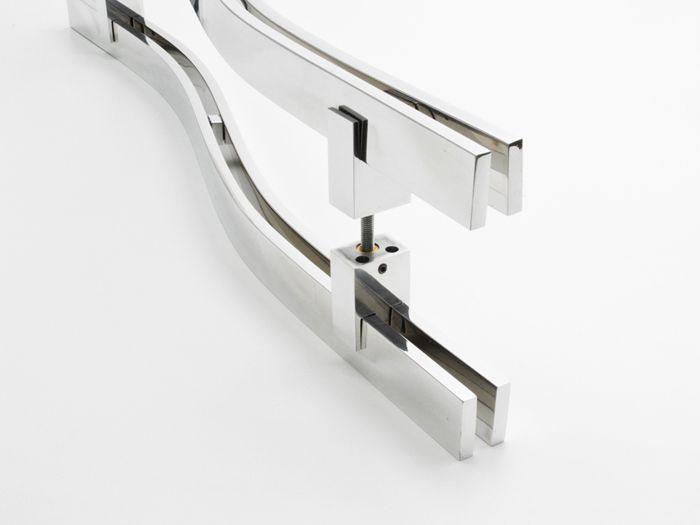 Puxador Para Portas Duplo 100 %AÇO INOX 304 POLIDO (ORION).Puxador grande porte curvo em S 4 barras chata 4 cm largura x 1 cm espessura   - Loja do Puxador