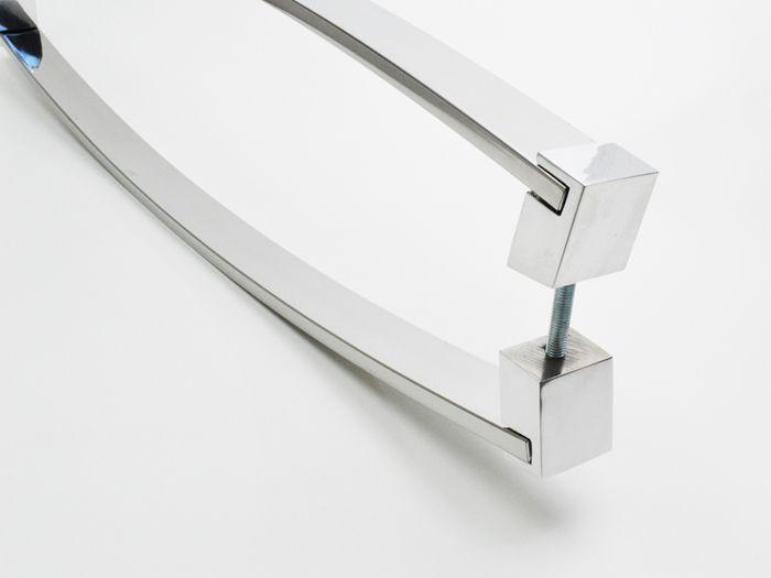 Puxador Para Portas Duplo 100 % AÇO INOX 304 POLIDO ( DELTA) .  puxador curvo barra chata curva frontal 4 cm largura x 1 cm espessura pés especiais nas pontas .  - Loja do Puxador