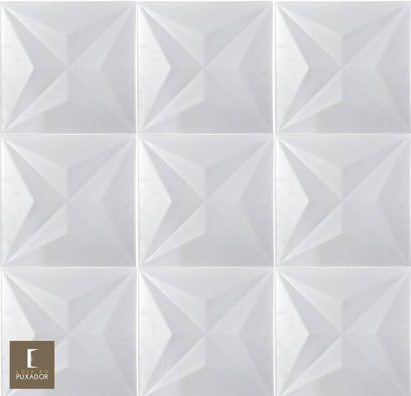 REVESTIMENTO PAINEL PAREDE 3D ALTO RELEVO 50x50 ( 3D BOARD )  PLÁSTICO PSAI ALTO IMPACTO MODELO STAR BRANCO valor por placa.  - Loja do Puxador