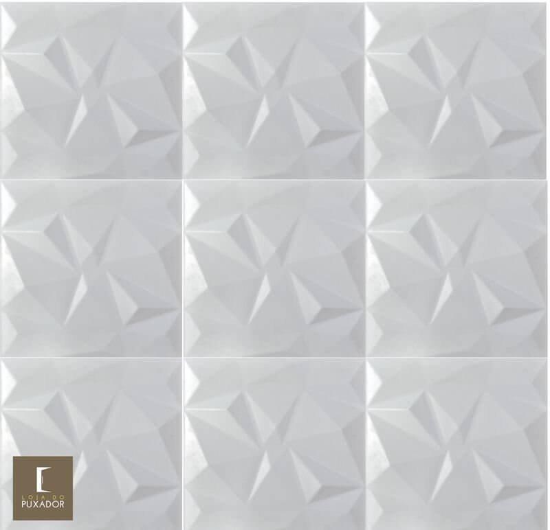 REVESTIMENTO PAINEL PAREDE 3D  ALTO RELEVO 50x50  ( 3D BOARD )  PLÁSTICO PSAI ALTO IMPACTO MODELO TRIANGULATO BRANCO valor por placa.  - Loja do Puxador