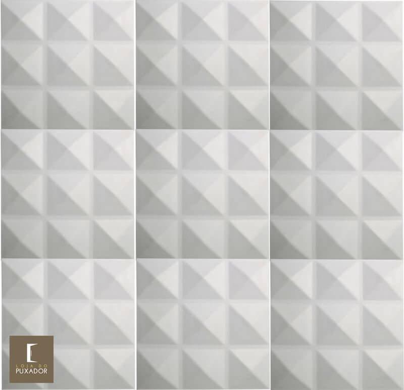 REVESTIMENTO PAINEL PAREDE E TETO 3D  ALTO RELEVO  ( 3D BOARD )  PLÁSTICO PSAI ALTO IMPACTO 30 X 30 MODELO CRETA BRANCO valor por placa.  - Loja do Puxador