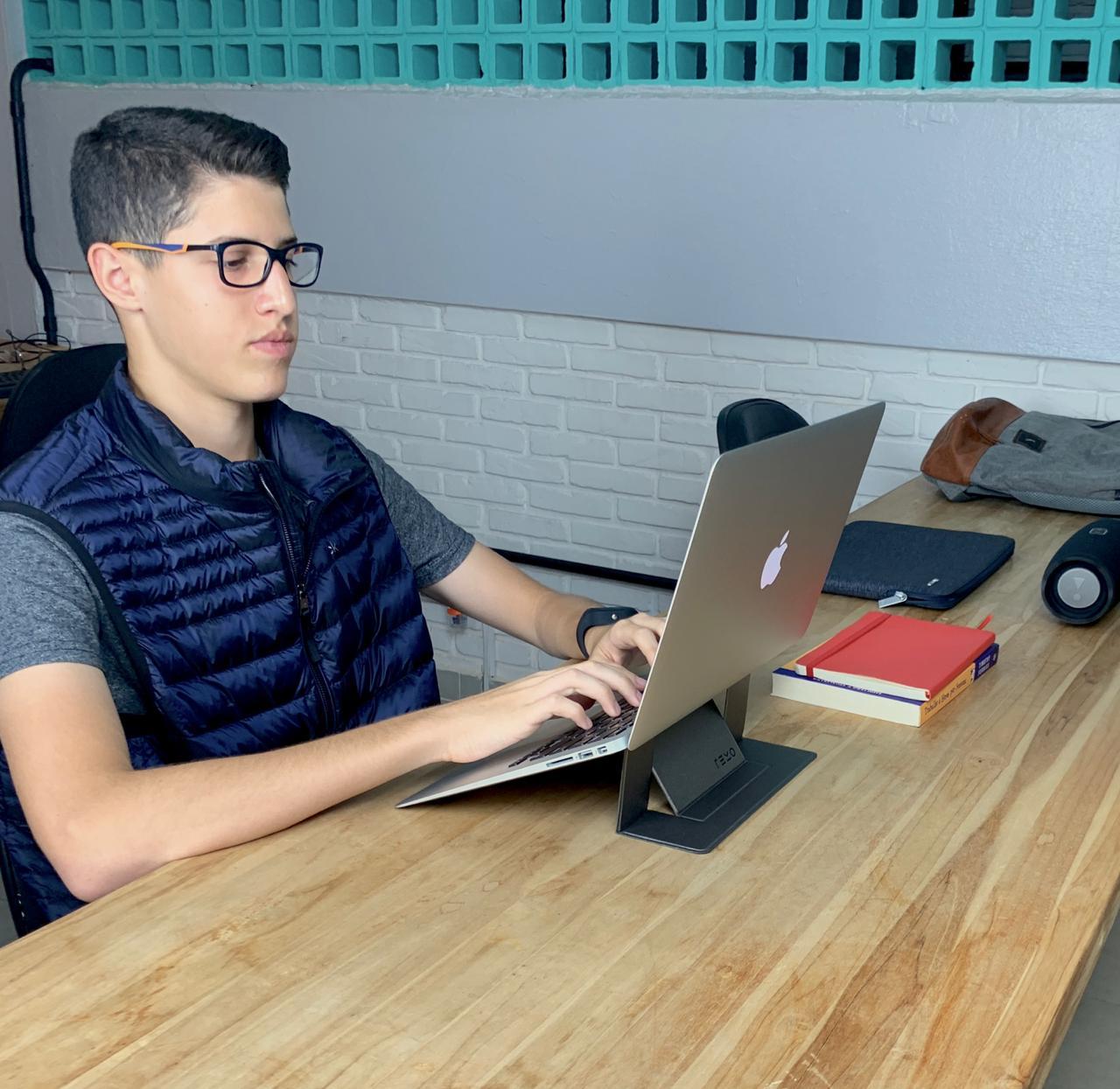 Suporte Notebook Macbook Revo Slim Prata