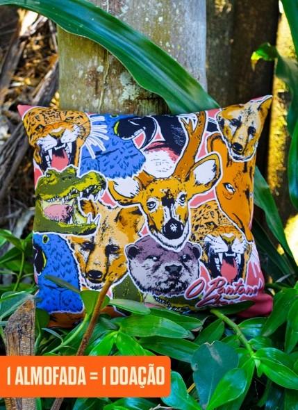 Almofada O Pantanal Chama <b>Animais</b>