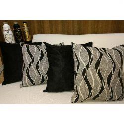Kit de Almofadas Jacquard/Suede com 04 Peças 43cm x 43cm cada c/ Enchimento - Geometrico/Preto