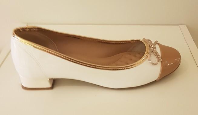 Sapato Beira Rio Salto Baixo Forrado Verniz Premium Branco/Nude/Ouro Rosado - 4192205