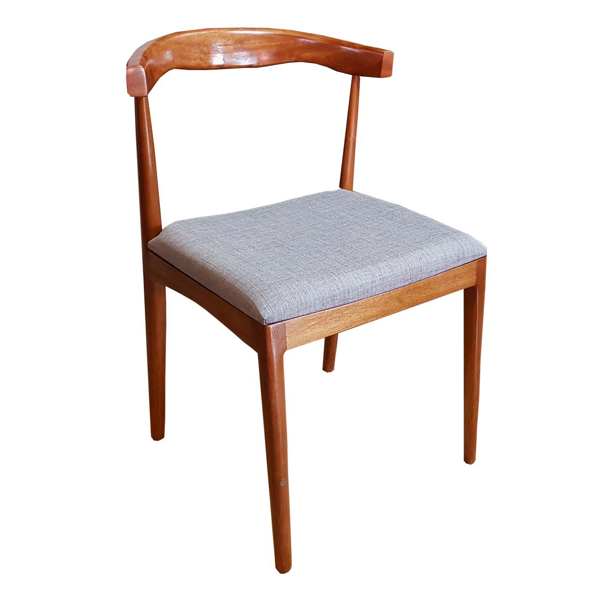Cadeira Aziz Estofada
