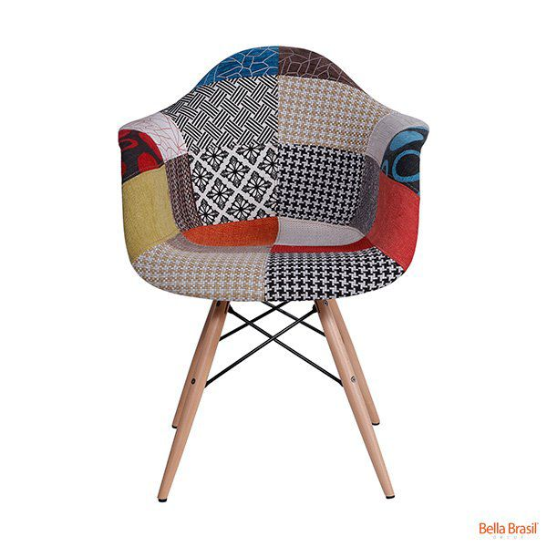 Cadeira Eames DAW Patchwork com Braço Base Eiffel Madeira