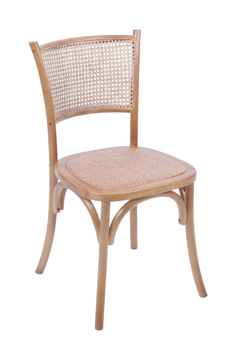 Cadeira Gaia com Assento em Rattan e Base Madeira