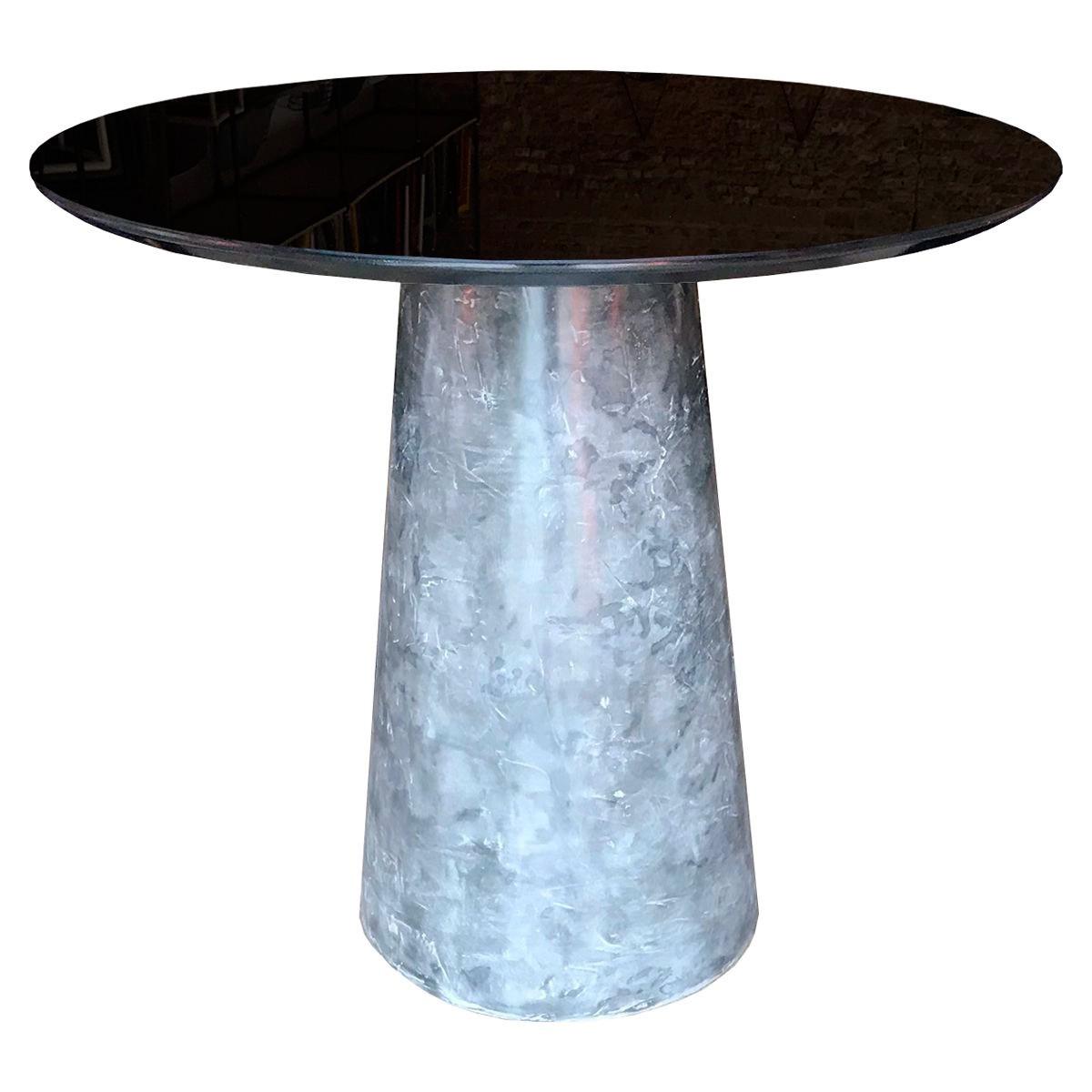 Mesa de Jantar Cone Redonda Cimento - Tampo Coverglass