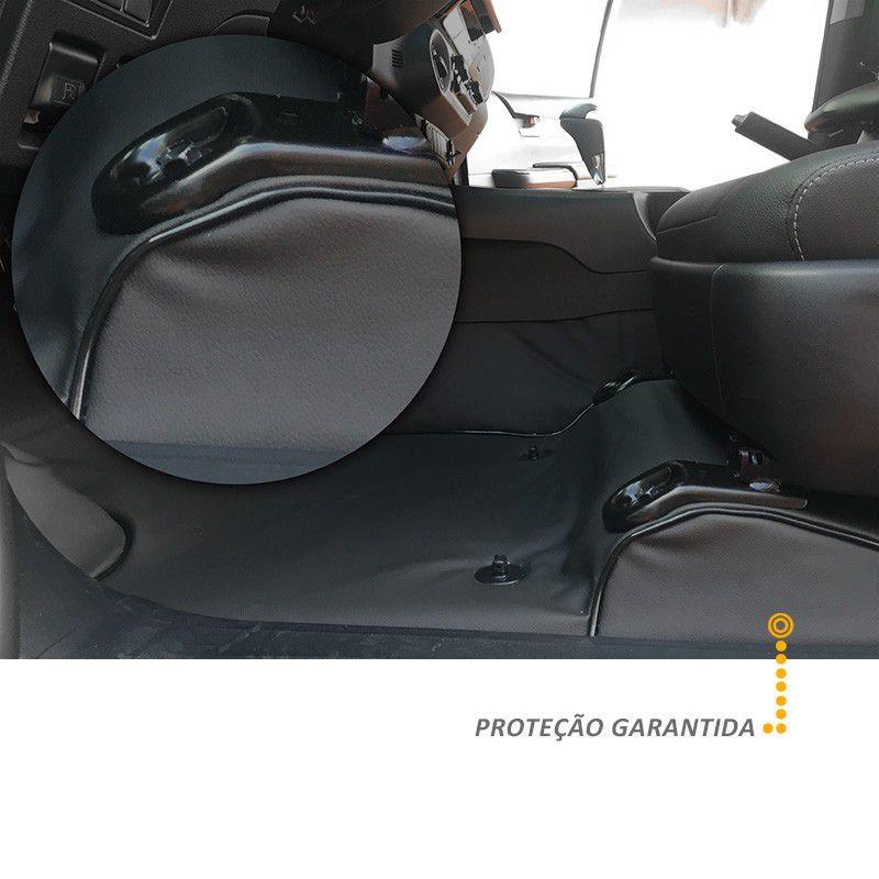 Capa de Assoalho Nissan NP300 Frontier LE 2017 Em Vinil Preto