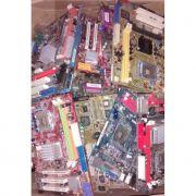 Lote de 15 placas mãe p/ desktop com defeito no estado