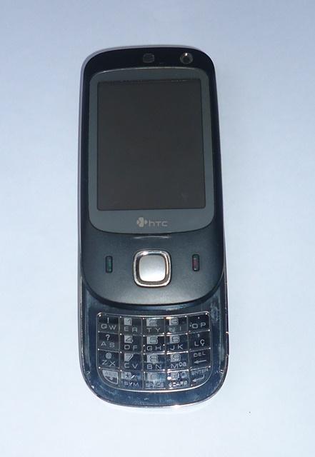 Celular HTC P5500 Nike 100 C/ Defeito