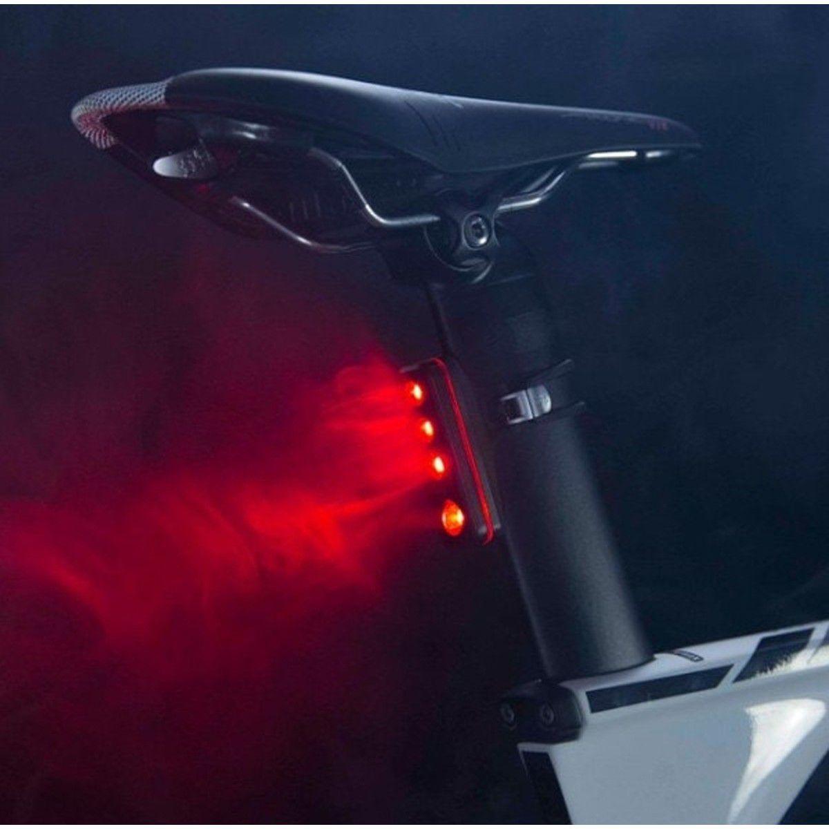 LANTERNA TRASEIRA KNOG BLINDER ROAD R70 A PROVA DAGUA PRETA CARREGA VIA USB
