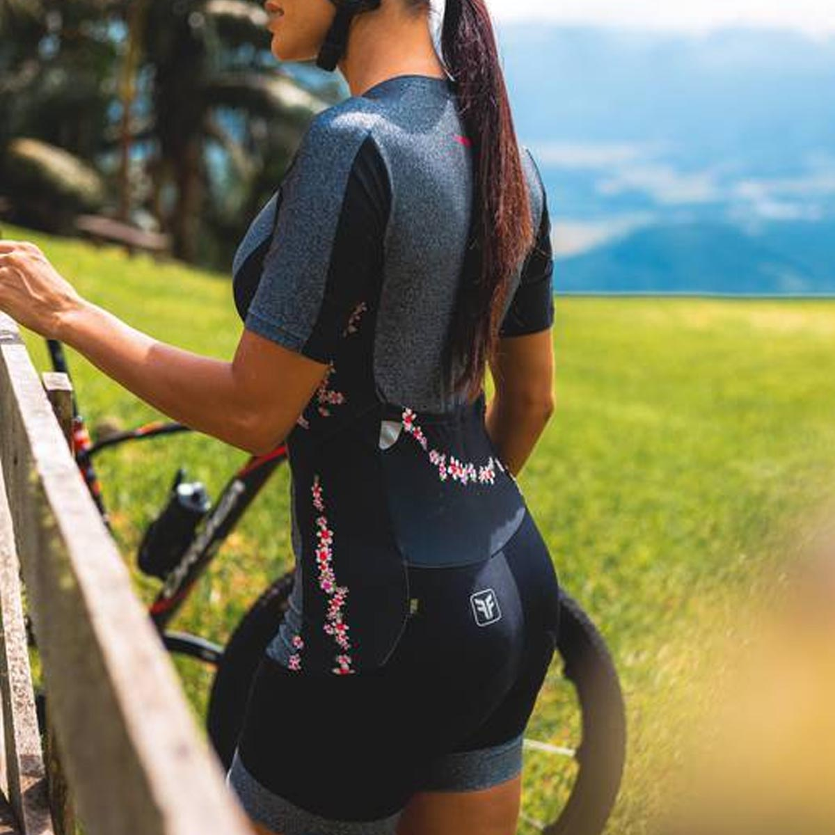 Macaquinho Freeforce Feminino New Euphoria Preto e Cinza Mescla Forro Invert Gel Ciclismo 21