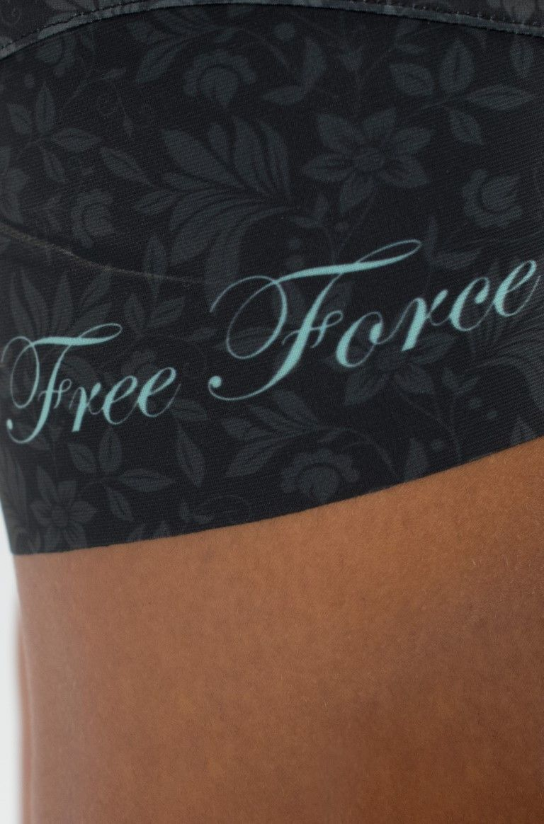 MACAQUINHO FREEFORCE FEMININO STAMP PRETO FLORES