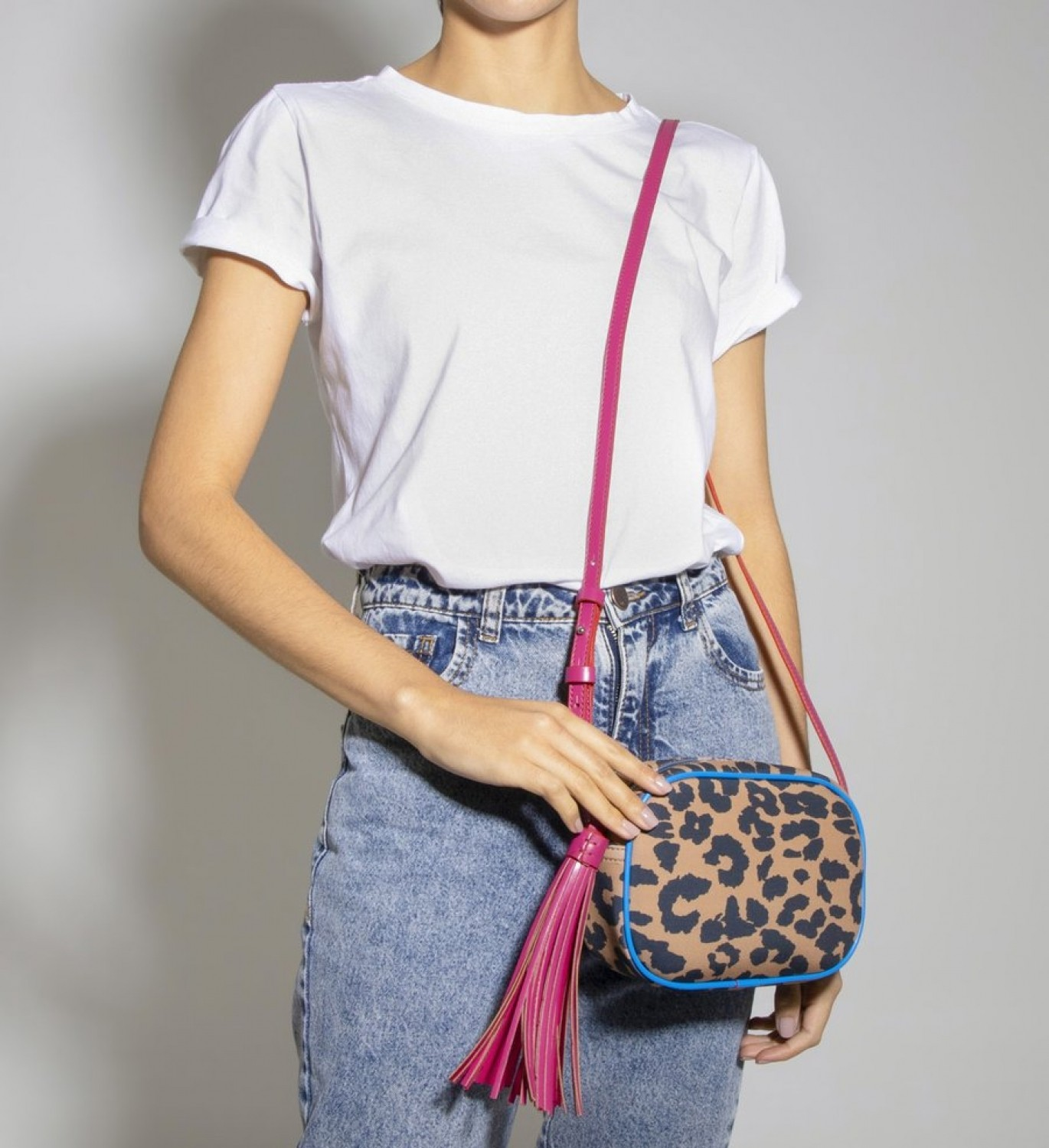 BOLSA SCHUTZ CROSSBODY KATE  ANIMAL PRINT ONÇA