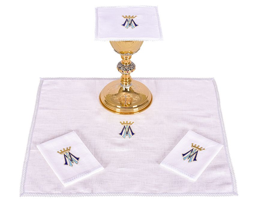 Altar Set Linen Marian B001
