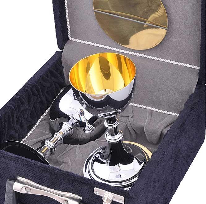Estojo com Cálice e Âmbula Dourado Interno 350