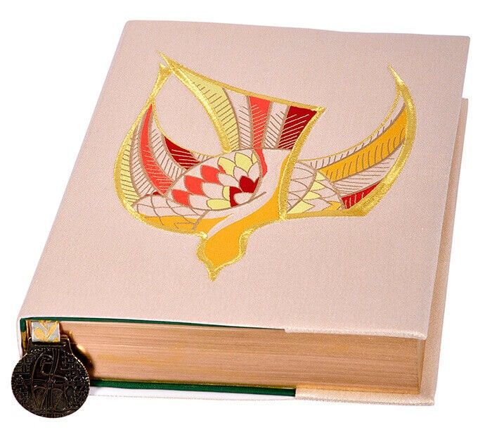 Coleção Pentecostes com Casula, Estola Sacerdotal, Véus de Altar e Capas de Livros