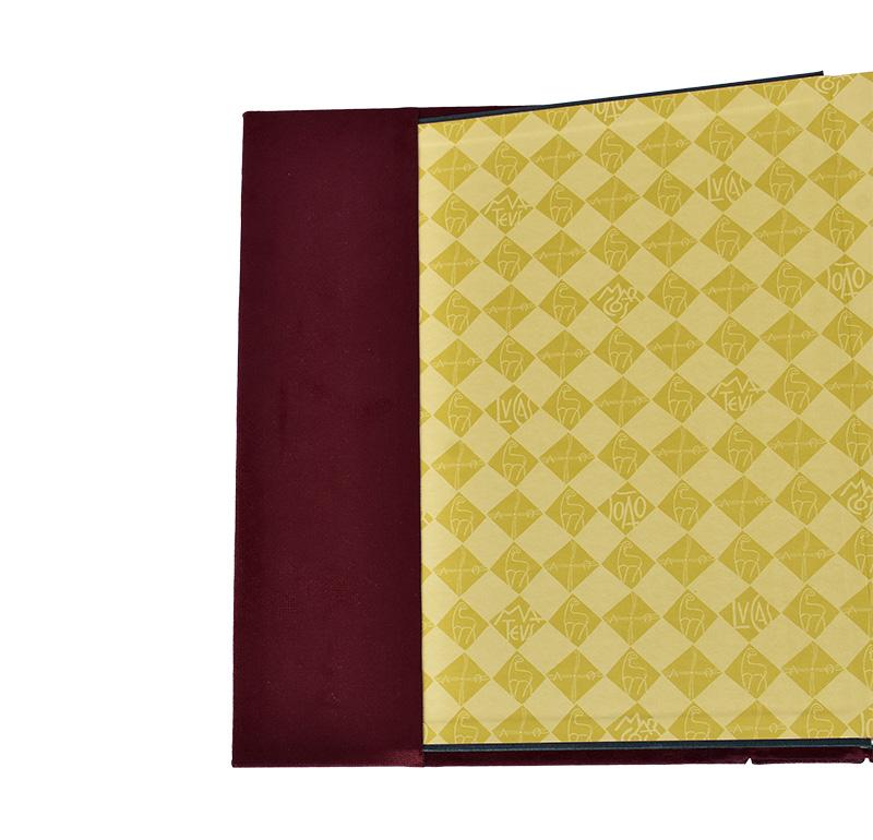 Conjunto Capa Evangeliário Artesanal Pantocrato AF003 com Livro Capa Vermelha