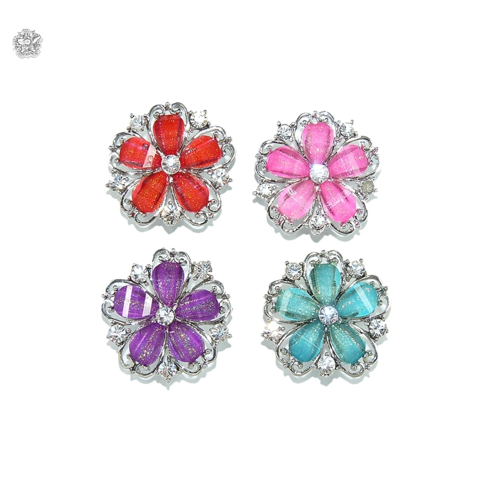 Piercing Flor para Chinelo com Strass - 29mm  - Nathalia Bijoux®