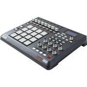Akai MPD32 Controladora MPD-32 16-Pads Sampler Produção Beatmaker Ableton Live