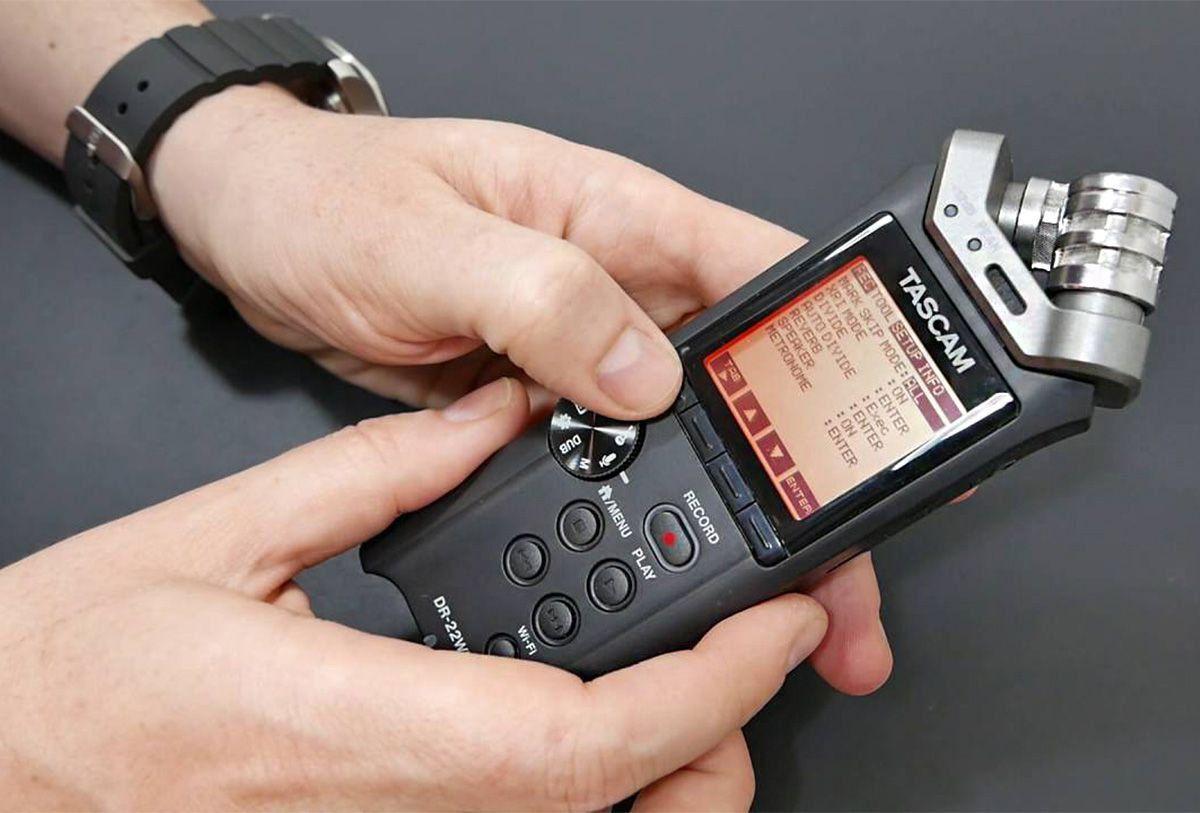 Tascam DR-22WL Gravador de Audio Digital Tascam DR22WL Armazena até 32GB XY Estéreo