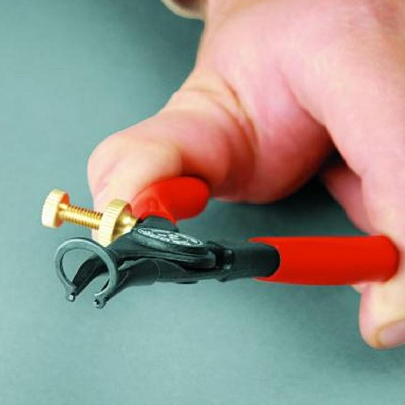 Alicate Para Anéis Externos Com Regulagem Pontas Curvas 30 Graus 140 mm Abertura 3 - 11 mm - 8000 A 1G - Gedore