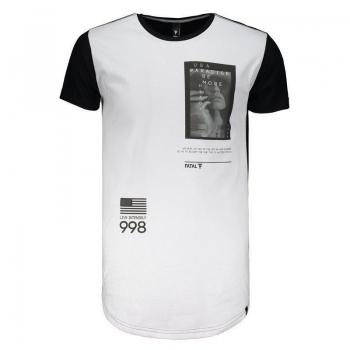 Camiseta Fatal Estampada Branca e Preta