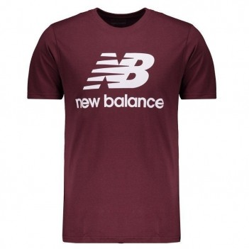 Camiseta New Balance Essentials Stacked Logo Bordô