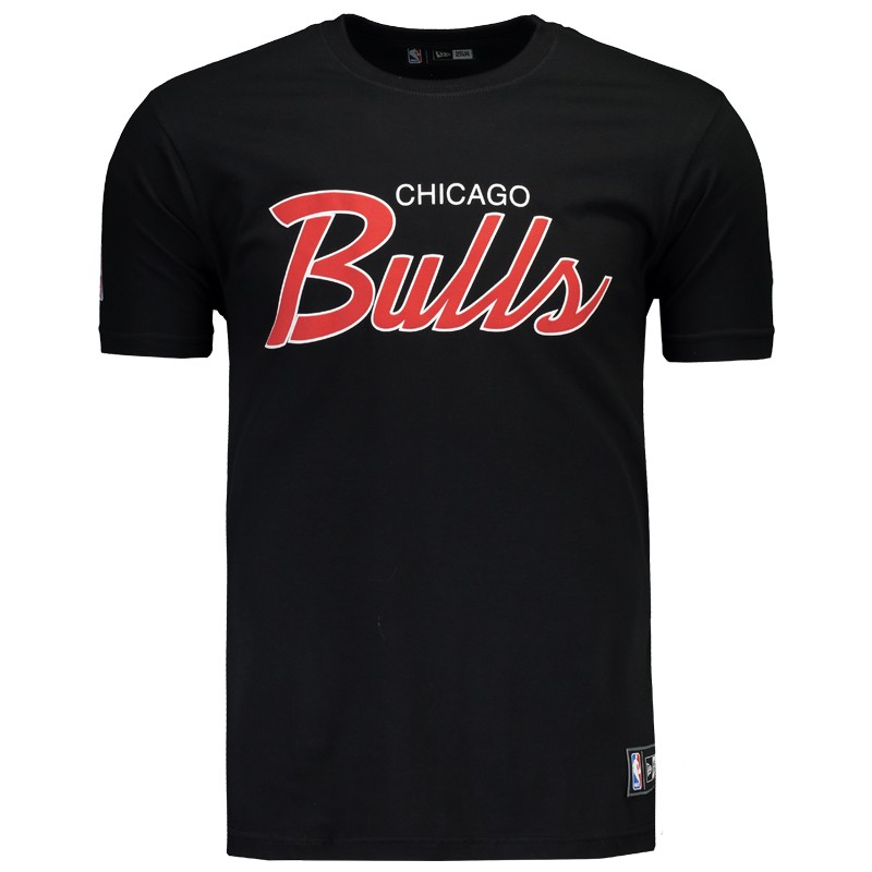 Camiseta New Era NBA Chicago Bulls Retrô Preta - FutFanatics ed8a4c4a532