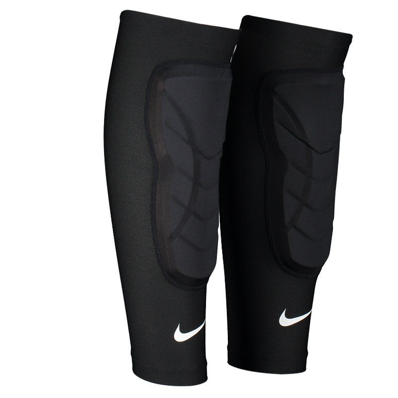 buy online 63168 3d9a8 Caneleira Nike Basketball Padded Shin Sleeves Preta - FutFanatics